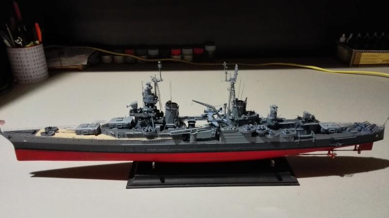 Heavy Cruiser USS Indianapolis CA-35 1/350 Académie ref. 14107  Img_2011