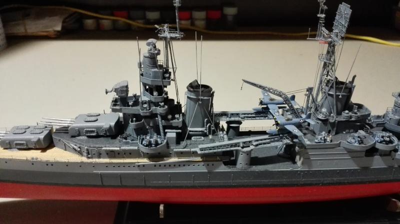 Heavy Cruiser USS Indianapolis CA-35 1/350 Académie ref. 14107  Img_2013