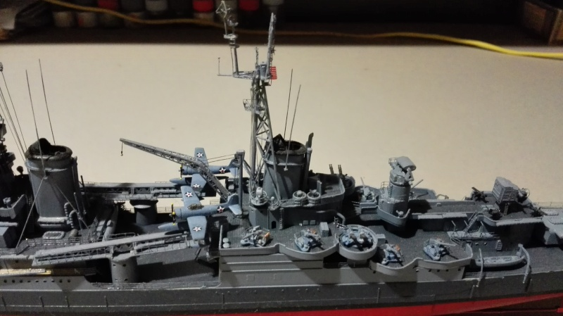 Heavy Cruiser USS Indianapolis CA-35 1/350 Académie ref. 14107  Img_2014