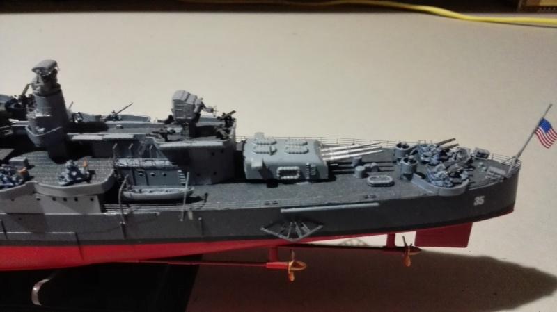 Heavy Cruiser USS Indianapolis CA-35 1/350 Académie ref. 14107  Img_2015