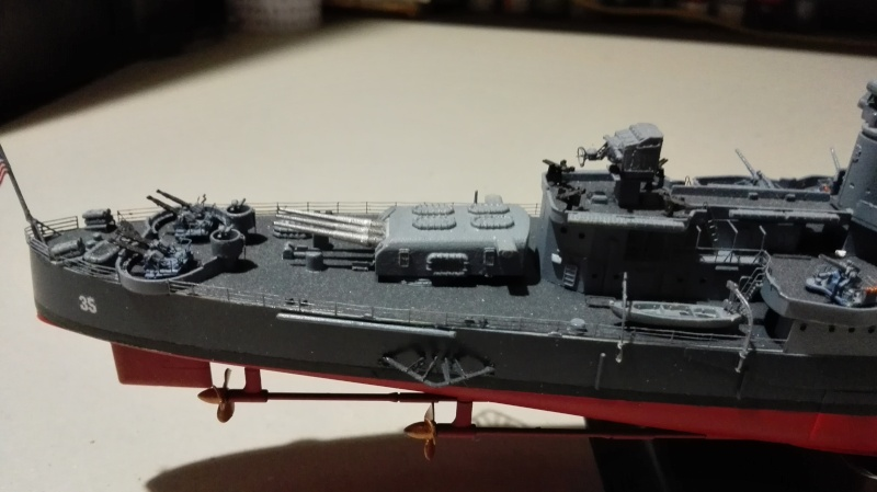 Heavy Cruiser USS Indianapolis CA-35 1/350 Académie ref. 14107  Img_2020