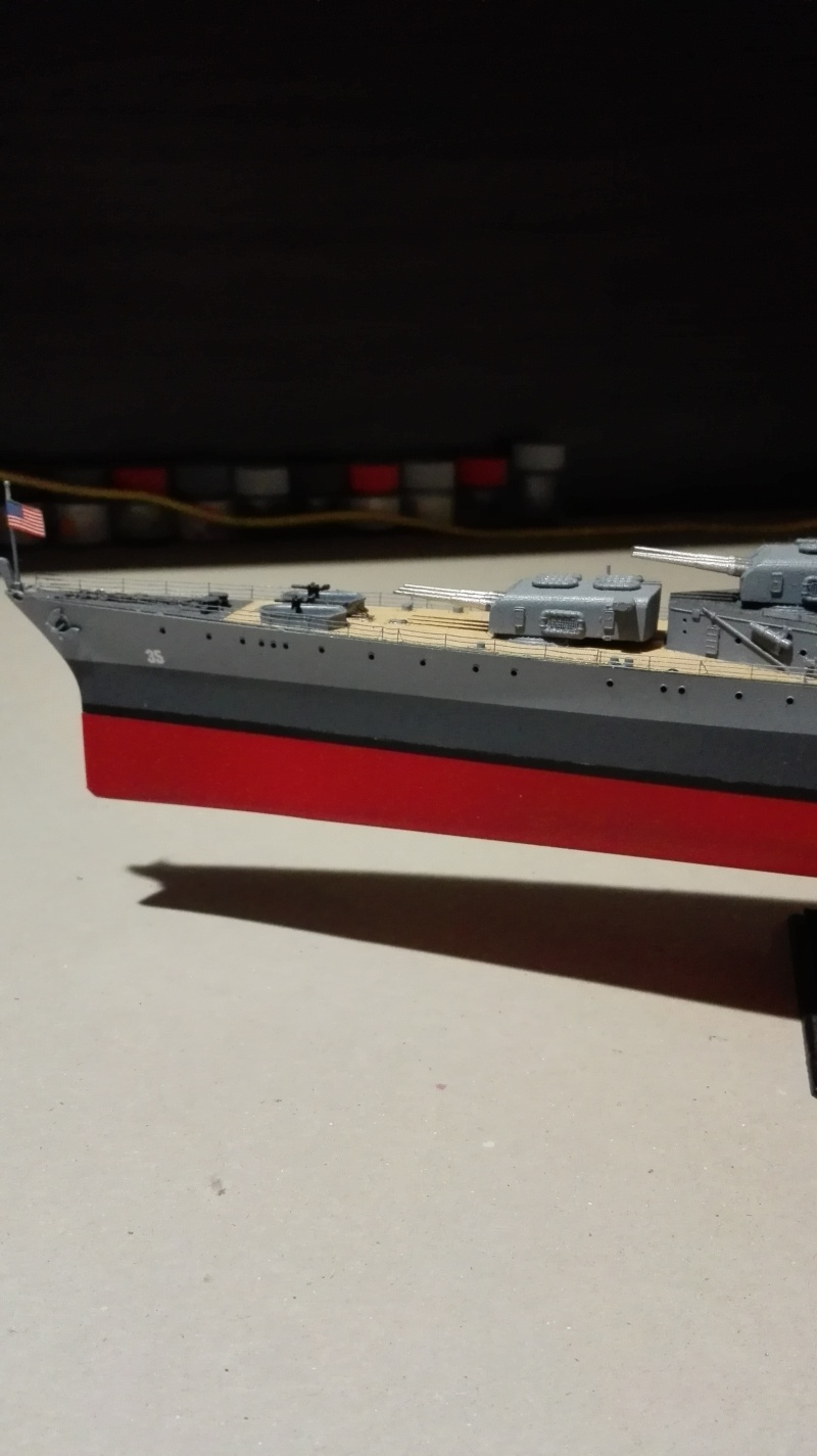 Heavy Cruiser USS Indianapolis CA-35 1/350 Académie ref. 14107  Img_2037