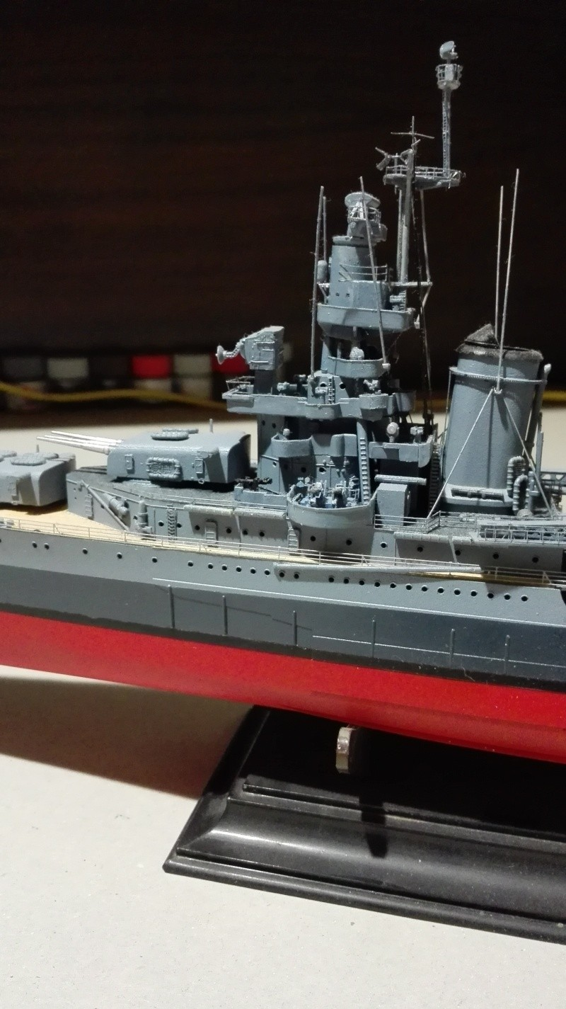 Heavy Cruiser USS Indianapolis CA-35 1/350 Académie ref. 14107  Img_2038
