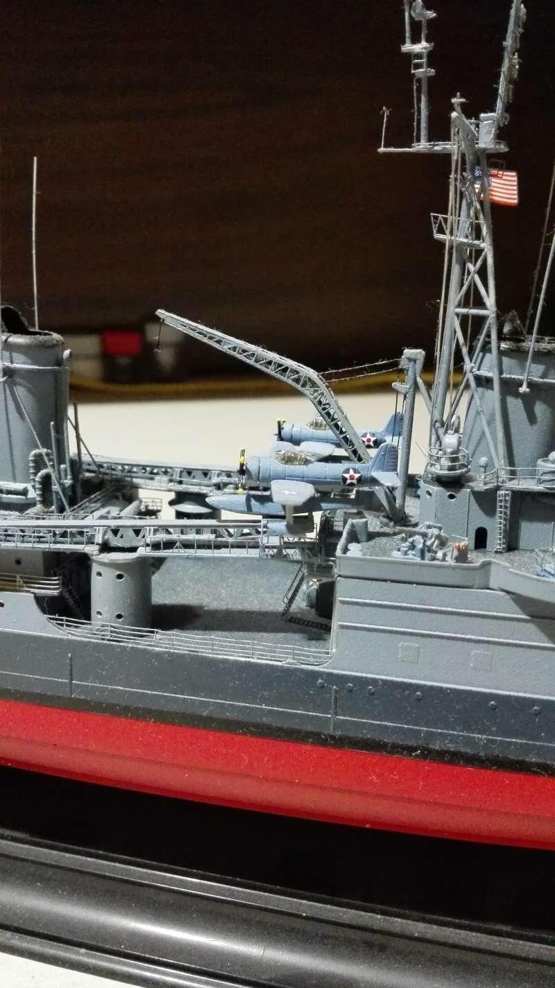 Heavy Cruiser USS Indianapolis CA-35 1/350 Académie ref. 14107  Img_2039