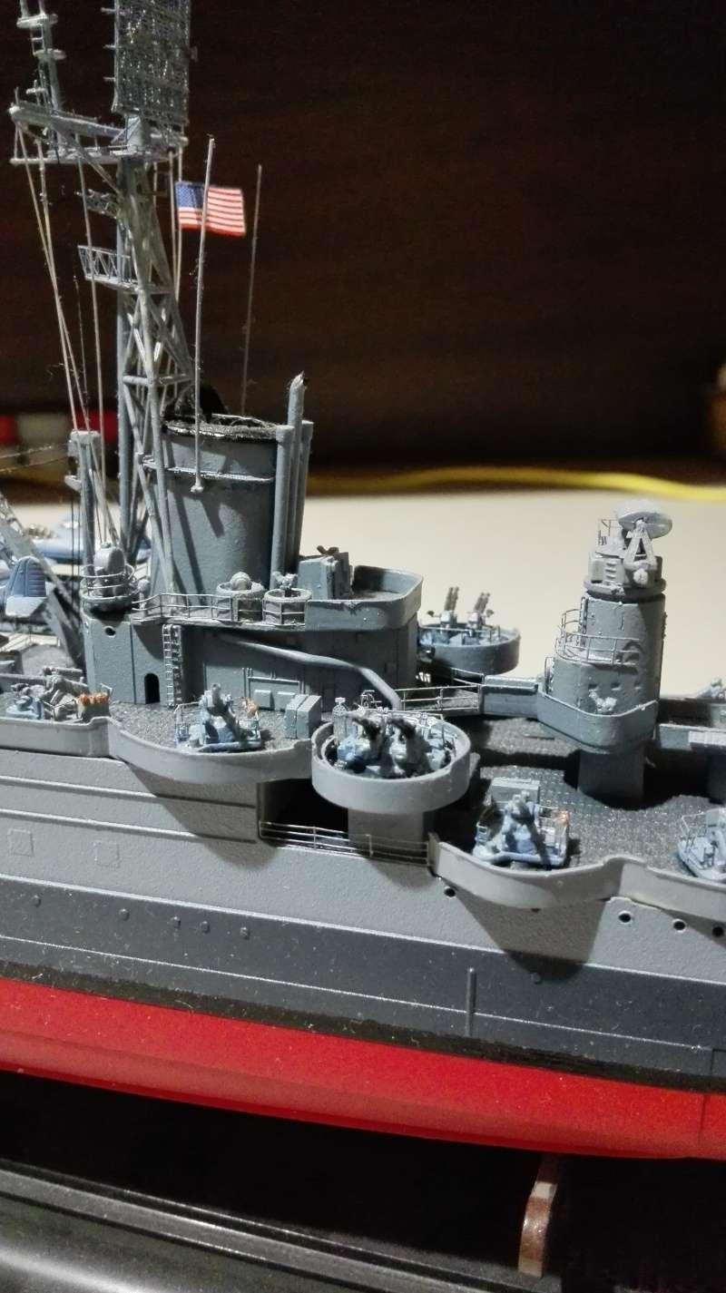 Heavy Cruiser USS Indianapolis CA-35 1/350 Académie ref. 14107  Img_2040