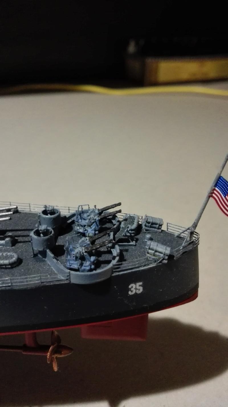 Heavy Cruiser USS Indianapolis CA-35 1/350 Académie ref. 14107  Img_2043