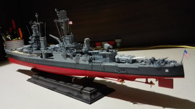Heavy Cruiser USS Indianapolis CA-35 1/350 Académie ref. 14107  Img_2044