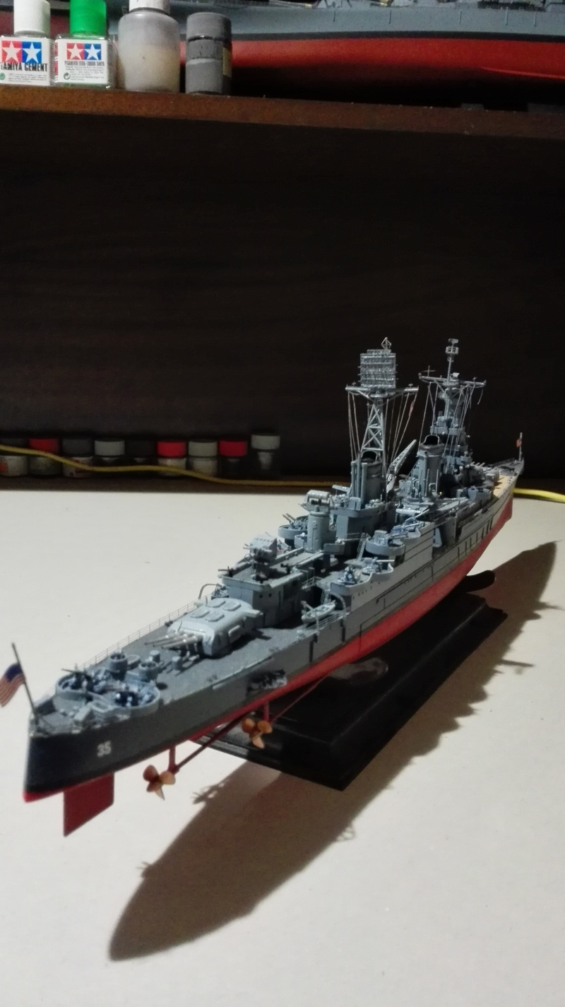 Heavy Cruiser USS Indianapolis CA-35 1/350 Académie ref. 14107  Img_2045