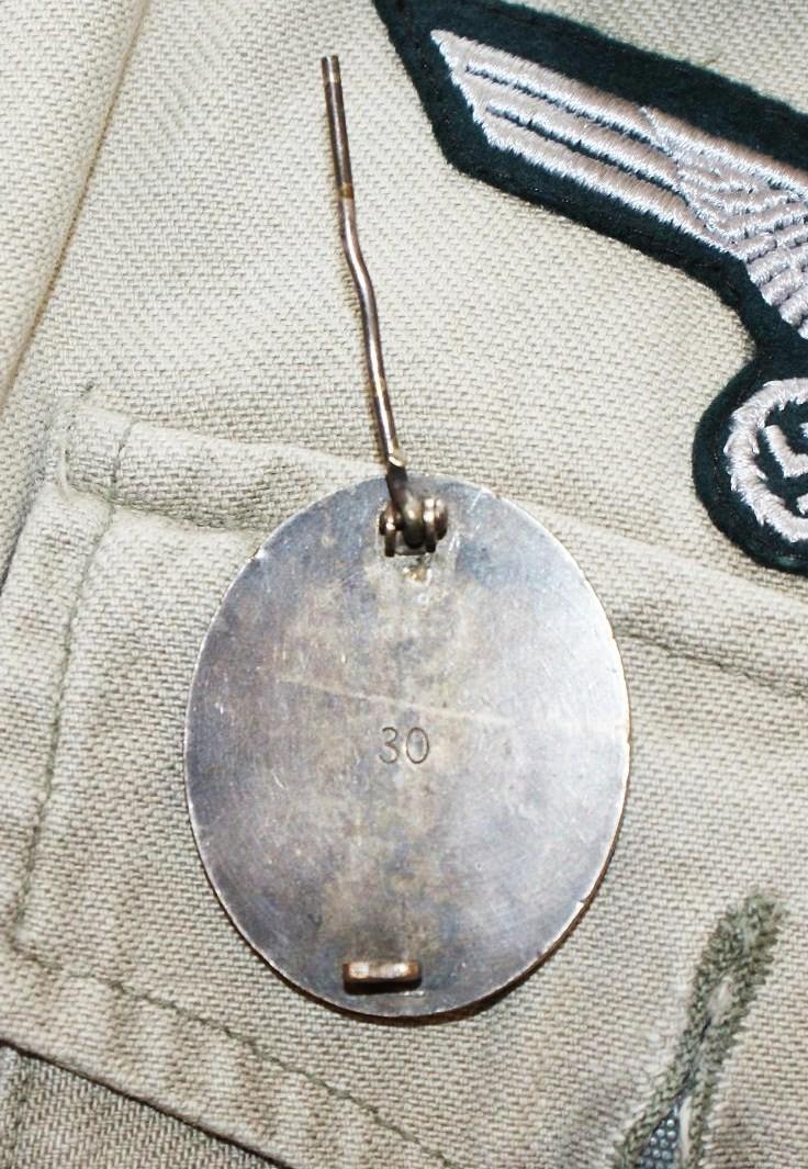 Badge des blessés argent marqué 30 Arg39210