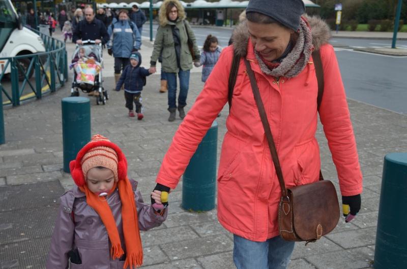 Disneyland entre filles (mère, filles et petite-fille)  Dsc_0010