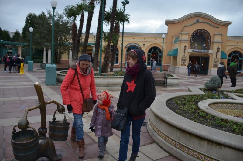 Disneyland entre filles (mère, filles et petite-fille)  Dsc_0110