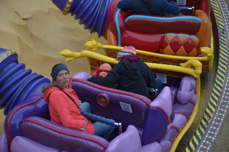 Disneyland entre filles (mère, filles et petite-fille)  Dsc_0114