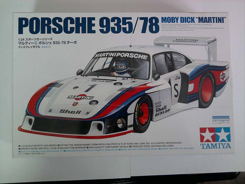 Tamiya Porsche 935/78 Moby Dick Martini 1:24 01_17