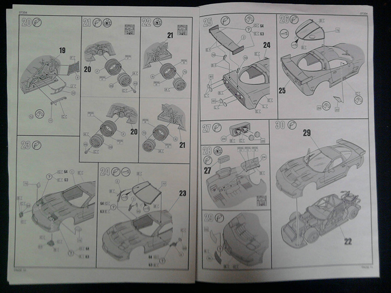 Revell Corvette C5-R Le Mans 2001 1:25 03_19