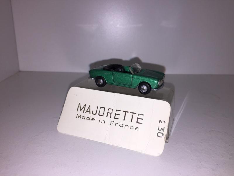 N°230 Peugeot 204 cabriolet Img_1912