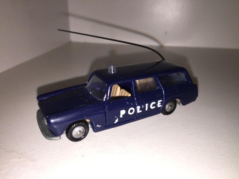 N°216 PEUGEOT 404 POLICE Img_2013