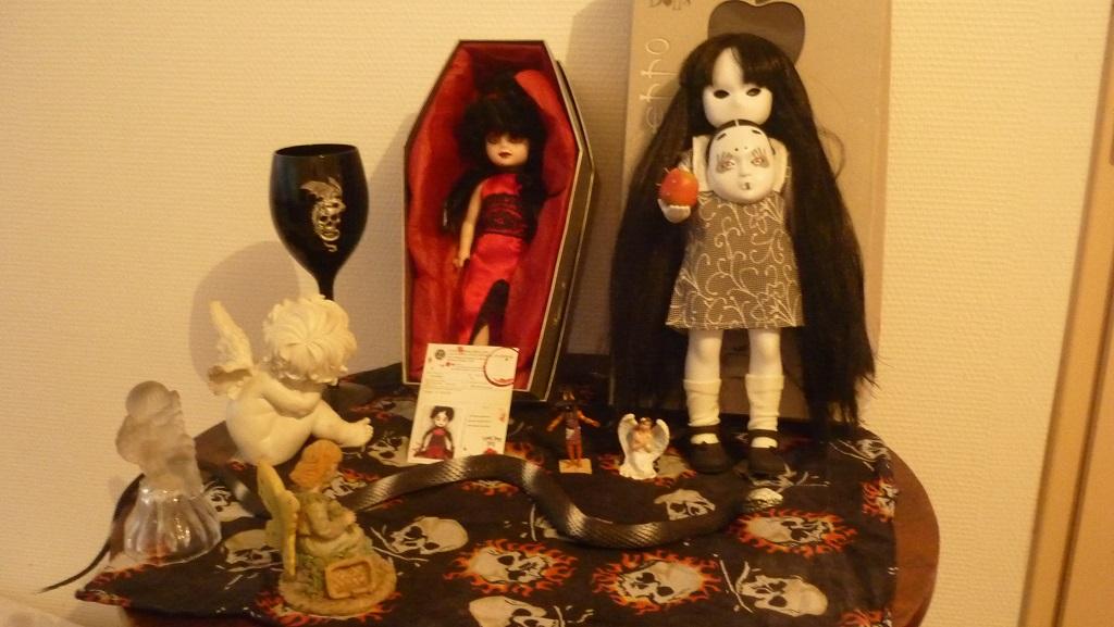 ma living dead dolls et sa copine little apple dolls P1150410
