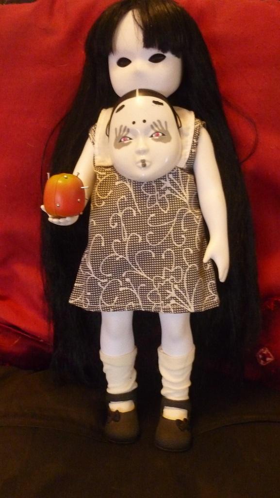 ma living dead dolls et sa copine little apple dolls P1150413