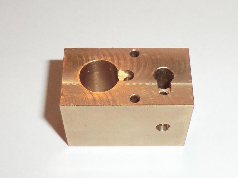 TE 04 Einzylinder Dampfmaschine Rundschiebergesteuert. 02_zyl10