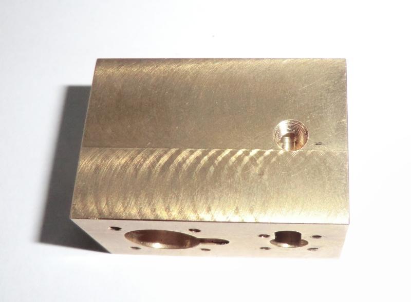 TE 04 Einzylinder Dampfmaschine Rundschiebergesteuert. 24_zyl10