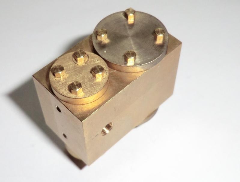 TE 04 Einzylinder Dampfmaschine Rundschiebergesteuert. 25_zyl10