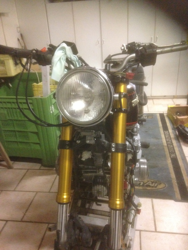 CB 750 1979, objectif Cafe Racer - Page 3 Img_9613