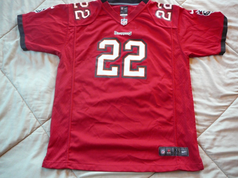 Doug Martin Nike Youth Jersey. Real? P1170212
