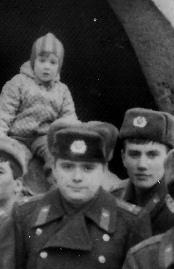 Début de collections russe ww2 (Insignes, médailles, coiffures) I_2110