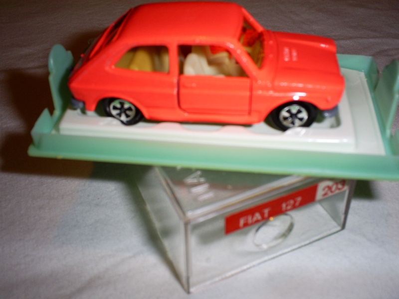 N°203 Fiat 127 S5033232