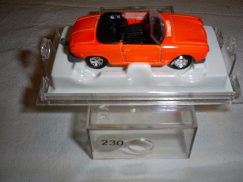 N°230 Peugeot 204 cabriolet S5033259