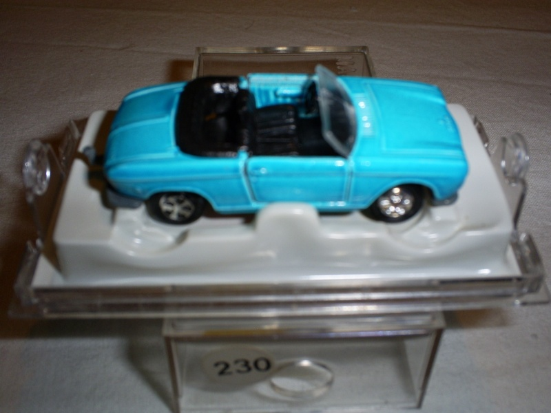 N°230 Peugeot 204 cabriolet S5033260