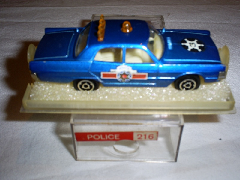 N°216 PLYMOUTH FURY POLICE S5033289