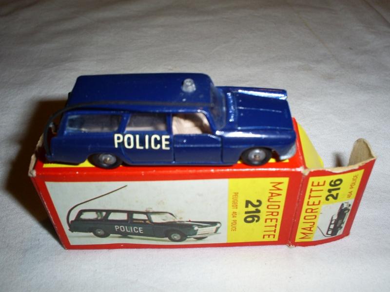 N°216 PEUGEOT 404 POLICE S5033413