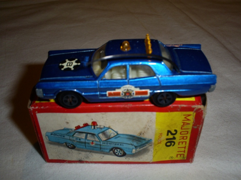 N°216 PLYMOUTH FURY POLICE S5033423