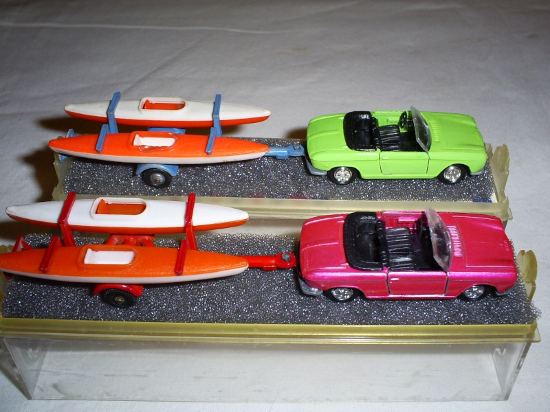 N°331 Peugeot 204 + Canoes S5033451