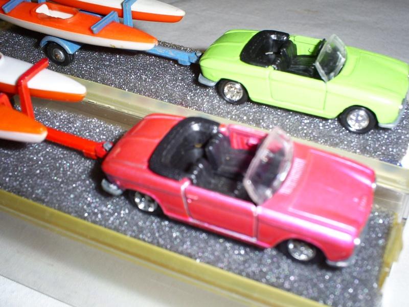 N°331 Peugeot 204 + Canoes S5033452