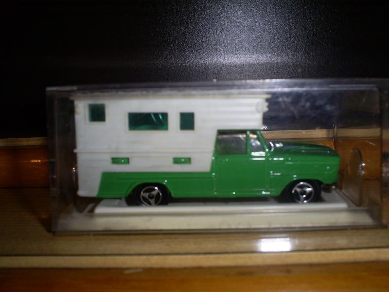 N°209 DODGE CAMPING CAR S5033601