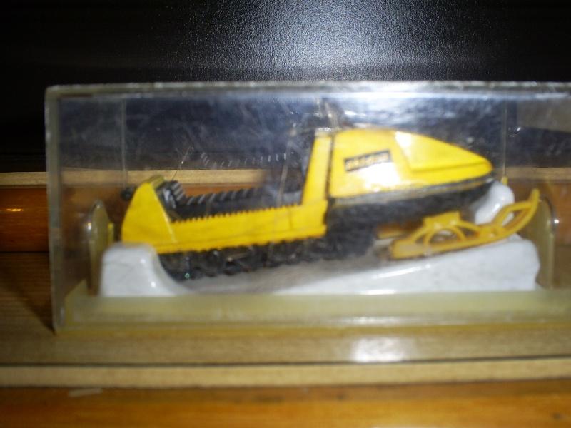 N°249 MOTO-NEIGE S5033638
