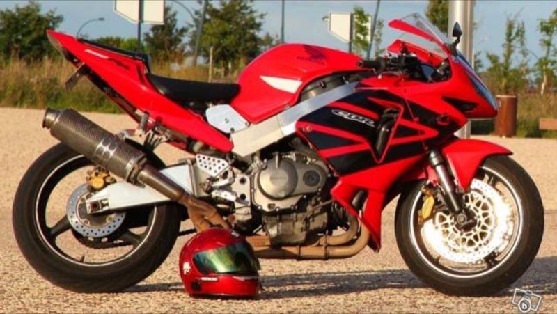 Voici la moto du petit dernier. Img_0010