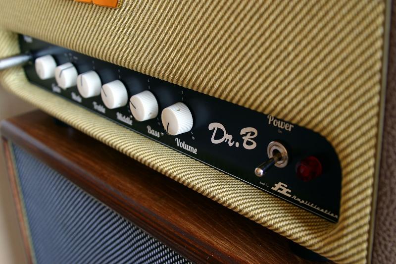 Les photos de vos guitares & Co... - Page 5 Ampli_10