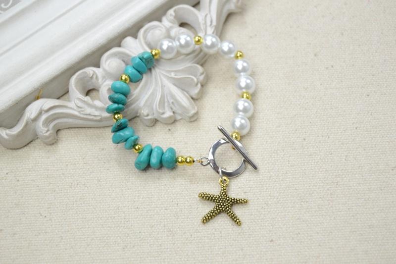 Mon deuxième création-bracelet avec perles et turquoise  Dsc_0010