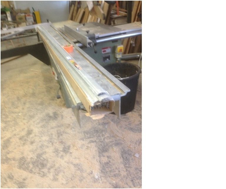 Lot de machines à bois à vendre. Scie_y10