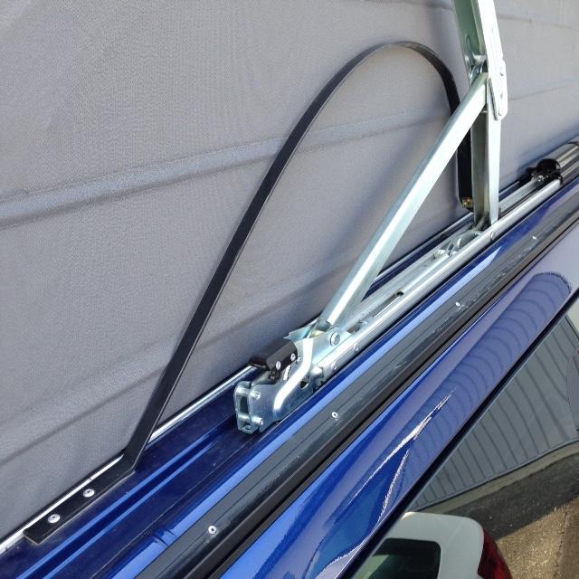 Lamelle de guidage toit ouvrant cassé nette ; référence des nouvelles pièces et le prix ! Guide_12