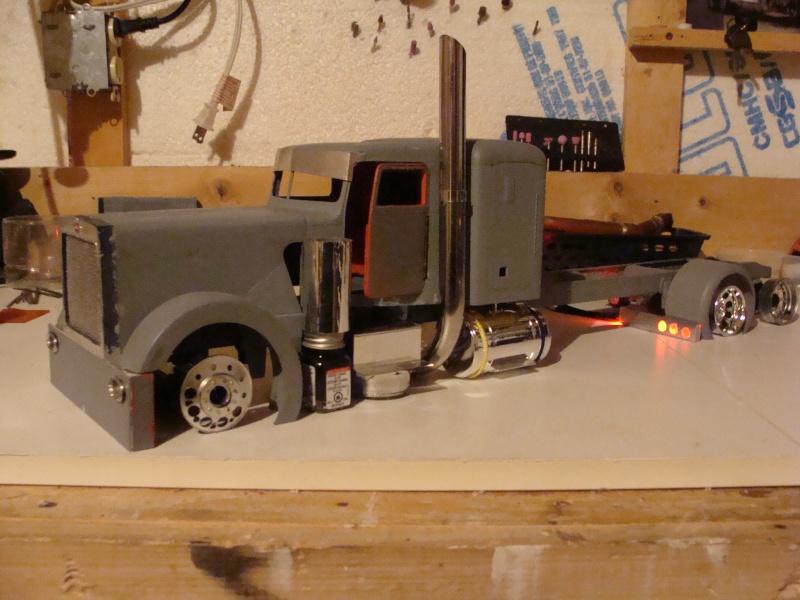 Pete 359 1/16 custom Dsc09117