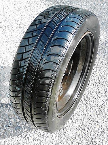[VENDU] Roue complète, avec un pneu, Michelin X 185 / 55 R15 30€ Roue-p11