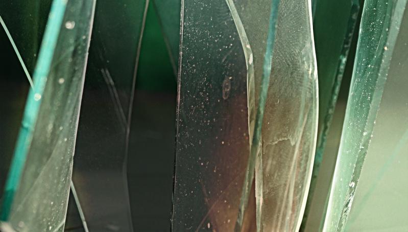 Morceaux de verre, lumière et projection Dsc01611