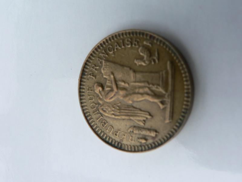 piece bizarre 20 francs dia 22mm poids 1,7g metal??merci a vous  P1110515