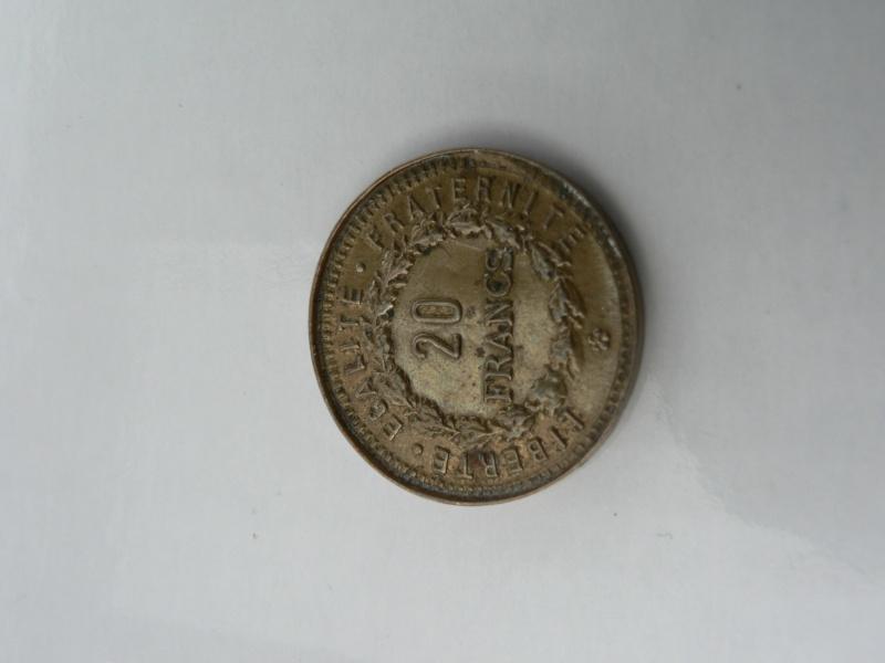 piece bizarre 20 francs dia 22mm poids 1,7g metal??merci a vous  P1110516