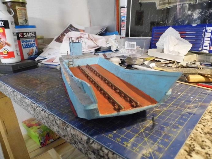 Après le train-auto, le train-bateau scratchbuilding 1/48 00210