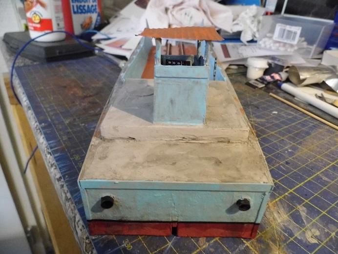 Après le train-auto, le train-bateau scratchbuilding 1/48 00312
